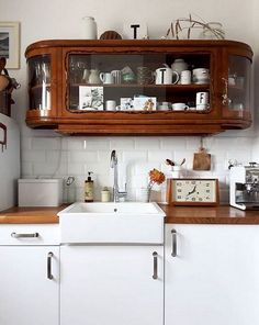 Home Interior, Kitchen Interior, New Kitchen, Interior Design, Kitchen Ideas, Kitchen Cupboard, Country Kitchen, Kitchen Wood, Kitchen Small