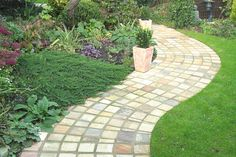Love the colors and texture of these stones.  Sandstone Setts paving for #patio?