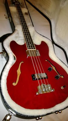 Gibson Mid-Town Hollow Body Bass #Gibson #MidTownHollowBody