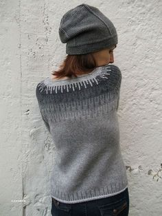 strik- sweater - fair-isle knitting in shades of grey Sweater Knitting Patterns, Knitting Designs, Knit Patterns, Fair Isle Knitting, Knitting Yarn, Pulls, Lana, Knitted Hats, Sweaters Knitted