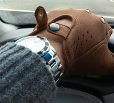 Driving gloves... I LOVE the look of driving gloves! Wear them even when it's 10 degrees, my knuckles don't get THAT cold.