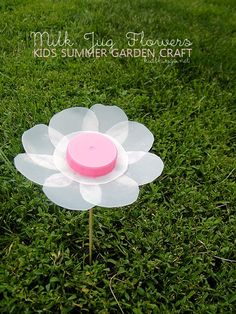 Milk Jug Flowers Summer Garden Craft #kids #summer #craft #garden