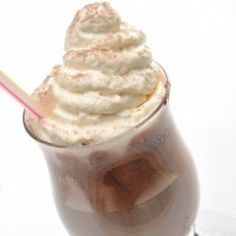 How To Make A Coffee Frappe With Keurig K Cups - Oh yes. and less calories than Starbucks or Mickey D's! Coffee K Cups, Iced Coffee, Coffee Drinks, Starbucks Coffee, Coffee Beans, Coffee Time, Coffee Maker, Keurig Recipes, Coffee Recipes