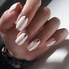 Nude Nails With Black Dots nails nail nail art nail ideas nude nails Black And Nude Nails, Black Nail Art, White Nails, Dot Nail Art, Soft Pink Nails, Line Nail Art, Pale Pink, Black Nail Designs, Short Nail Designs