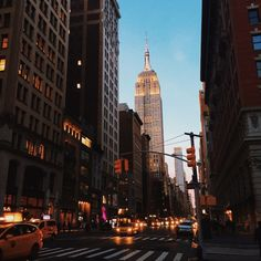 Look Here For Great Advice About Muscle Building New York Life, Nyc Life, City Aesthetic, Travel Aesthetic, City Vibe, Just Dream, Dream City, Living In New York, Concrete Jungle