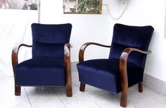 Genuine Art Deco Club Chairs or Armchairs. Pairs and single Art Deco club chairs all lovingly restored & re-upholstered with fabric or Italian leather hide. Art Deco Chair, Art Deco Furniture, Funky Furniture, Living Furniture, Upholstered Furniture, Art Et Architecture, Art Deco Living Room, Vintage Chairs, Chair And Ottoman