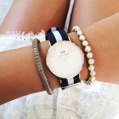 Daniel Wellington Rose Gold watch Daniel Wellington watch in Rose Gold Blue white Strap new with box Daniel Wellington Accessories Watches