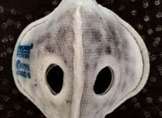 This Man's Running Mask Speaks The Horrifying Truth About Delhi's Air Quality #respro #airpollution #asthma