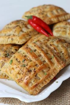 PITTIGE KIP PAKKETJES Chicken Lunch Recipes, Baby Food Recipes, Snack Recipes, Cooking Recipes, Party Recipes, Dinner Recipes, Lunch Snacks, Snacks Für Party, Strudel