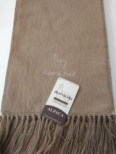 Chalina Peinada color 203, Medidas 180x22 cms. 30 % Alpaca Michell, bordado Alpaca Perú.