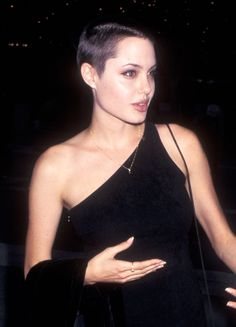 Angelina Jolie Related posts: 33 Angelina Jolie Hairstyles-Angelina Jolie Hair Pictures Grow out hair from pixie cut goals – Angelina Jolie in Hackers Angelina Jolie Angelina Jolie, Before and After Angelina Jolie Short Hair, Short Hair Cuts, Short Hair Styles, Girls With Shaved Heads, Shaved Head Girl, Shaved Head Women, Buzzed Hair, Shave Her Head, Bald Girl