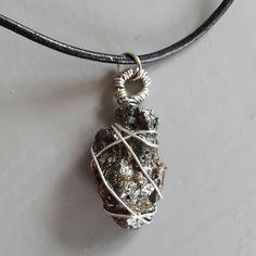 Halsband av slaggsten... #halsband #slaggsten #smycke #smycken #restprodukt #återbruk #pemdesign #fb #rebella