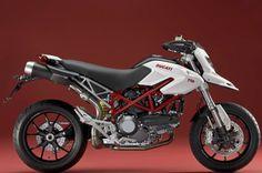 #Ducati Hypermotard 796 #supermotard