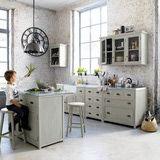 http://muebles.about.com/od/Decorarconmuebles/a/Tips-Para-Saber-C-Omo-Renovar-Los-Muebles-De-Cocina.htm