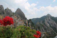 "#Basilicata ""mozzafiato"" #Castelmezzano #DolomitiLucane ... #Volodellangelo"