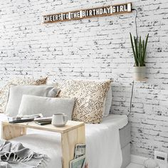 ethnic home decor Diy Home Repair, Interior Design Ikea, Diy Decor, Diy House Renovations, Classic Furniture, Diy Home Accessories, Home Decor Shelves, Diy Window Treatments, Home Decor