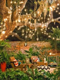 Outdoor lighting ideas for backyard, patios, garage. Diy outdoor lighting for front of house, backyard garden lighting for a party Outdoor Rooms, Outdoor Gardens, Outdoor Patios, Back Yard Gardens, Outdoor Living Spaces, Wood Gardens, Small Outdoor Spaces, Zen Gardens, House Gardens