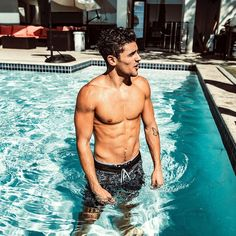 "Polubienia: 2,693, komentarze: 305 – G (@jackgilinsky) na Instagramie: ""morning swim"" Cute Blonde Boys, Cute Boys, Jack Gilinsky Instagram, Jack Gillinsky, Romantic Men, Abs Boys, Summer Boy, Male Figure, Male Body"