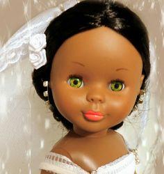 Nancy  novia mulata de ojos verdes.