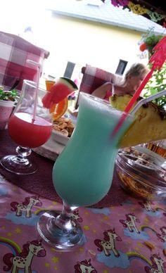Hurricane Glass, Friends, Tableware, Amigos, Dinnerware, Tablewares, Dishes, Boyfriends, Place Settings