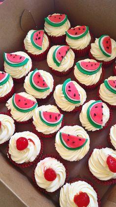 Cupcakes patilla y cerezas
