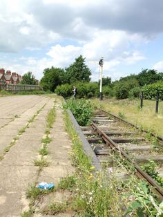 Abandoned Train, Abandoned Buildings, Old Train Station, Disused Stations, Old Trains, Old Computers, The Beautiful Country, Filming Locations, Leicester