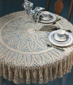 Free Crochet Patterns For Tablecloth : Crocheted Tablecloth on Pinterest Crochet Tablecloth ...