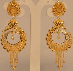 Gold Ring Designs, Gold Earrings Designs, Gold Jewellery Design, Necklace Designs, Gold Jhumka Earrings, Gold Bridal Earrings, Gold Earrings For Women, Gold Jewelry Simple, Ali Baba
