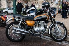 Fluides Mécaniques Trike Motorcycle, Retro Motorcycle, Honda Bikes, Honda Cars, Cb Cafe Racer, Honda Cb 500, Automobile, Japanese Motorcycle, Old Motorcycles
