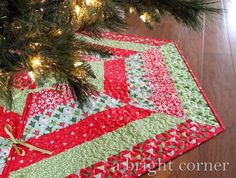 Holly Jolly Tree Skirt pattern from A Bright Corner