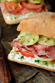 Sandwich - ricotta cheese mixed with fresh herbs, cucumbers, onions, and tomato add a new twist to pastrami. Sandwiches For Lunch, Soup And Sandwich, Wrap Sandwiches, Pastrami Sandwich, Food Porn, Cooking Recipes, Healthy Recipes, Ham Recipes, Lunch Snacks