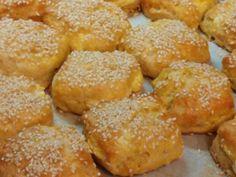 Τραγανά πρωτότυπα τυροπιτάκια  με κουπ ατ από τη Sofia Kara Pretzel Bites, Food And Drink, Health Fitness, Pizza, Bread, Cookies, Ethnic Recipes, Tarts, Easter
