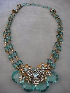 RARE-VINTAGE-MIRIAM-HASKELL-TWO-STRAND-SIGNATURE-NECKLACE-AMAZING-CENTER-PIECE