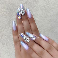 98 Beautiful Prom Nails For The Big Night - Best Nail Designs Pearl Nail Art, Pearl Nails, Bling Nails, Bling Wedding Nails, Bling Nail Art, Fancy Nails, Hot Nails, Hair And Nails, Gorgeous Nails