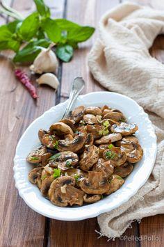 Gustoso #contorno di #funghi grigliati con #erbe aromatiche e aglio #ricetta #champignon #vegetarian