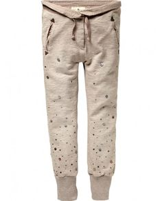 Special sweat pants, Scotch & Soda... I wonder if the girls' size 14 would fit me and if they ship to the US....