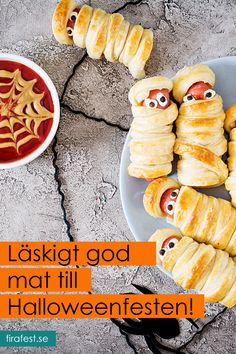 Skremmende god mat til Halloweenfesten! Halloween Desserts, Halloween Make, Halloween 2019, Halloween Decorations, Food Centerpieces, Diy Halloween Dekoration, Partys, Cute Food, Hot Dog Buns