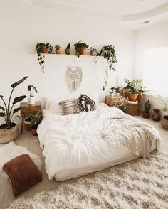 bohemian bedroom 582231058061406089 - Make a nonpartisan base so white pops and wooden floor is ideal for it. Since bo Bohemian Bedroom BASE floor Ideal nonpartisan pops White wooden Source by ridvanelifgoksu Bohemian Bedroom Decor, Home Decor Bedroom, Bedroom Ideas, Bedroom Inspo, Bedroom Designs, Bedroom Bed, Bohemian Style Bedding, Bedroom Rugs, Interior Livingroom