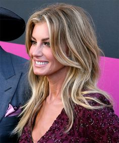 Faith Hill Long Straight Casual Hairstyle - Medium Blonde Hair Color - side on view Face Shape Hairstyles, Easy Hairstyles, Straight Hairstyles, Hairstyle Ideas, Hair Ideas, Choppy Hairstyles, Perfect Hairstyle, Brown Ombre Hair, Ombre Hair Color