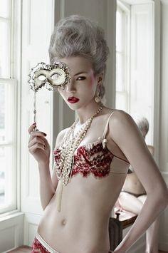 Minimal Antoinette