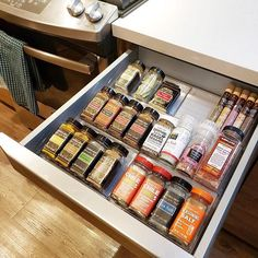 Spice up your life with a kitchen drawer like this! ✨  📷: @organizedbyellis  #iDesign #MyiDesign #iDLiveSimply #livesimply #organizedhome #cleanhome #homeinspiration #lovehome #housebeautiful #homeimprovement #organization #organizer #organized #tidy #organizing #declutter #simplify #professionalorganizer #getorganized #loveyourhome #sparkjoy #homeorganization #organizedlife #kitchendrawers #spiceorganization #spices