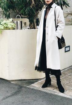 タスマニアウール生地を使用したコクーンコート Duster Coat, Jackets, Outfits, Fashion, Down Jackets, Moda, Suits, Fashion Styles, Fashion Illustrations