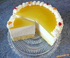 Lahodný,lehký na přípravu nenáročný dortík. Korpus : bílky vyšleháme do tuha,přidáme žloutky a cu... Delish Cakes, Czech Recipes, Lemon Cheesecake, Mousse Cake, Pastry Cake, Tea Cakes, No Bake Cake, Baked Goods, Food And Drink