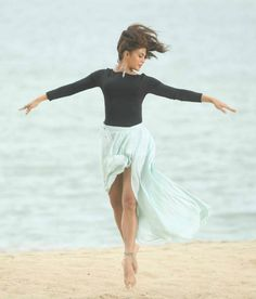 Jacqueline Fernandez has a sensual ballet dance coming up in her next release Roy, and the pictures look FAB! The ballet dance on sand will be picturised on the Bollywood Actors, Bollywood Celebrities, Bollywood Fashion, Bollywood Girls, Bollywood Style, Jacqueline Fernandez, Beautiful Bollywood Actress, Beautiful Indian Actress, Dance Images