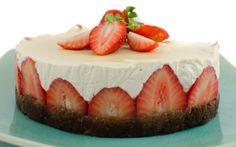 Raw Strawberry Macadamia Cheesecake [Vegan, Gluten-Free] | One Green Planet
