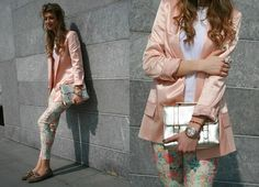Been looking and looking for pants like this, loving the very squared long jacket in this pastel pink color.