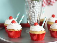 Find and shop thousands of creative projects, party planning ideas, classroom inspiration and DIY wedding projects. Retro Bridal Showers, Bridal Shower Party, 50s Theme Parties, Party Themes, Themed Cupcakes, Mini Cupcakes, Milkshake Cupcakes, Milkshakes, Pug Cake