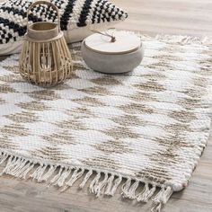 Baghera - Tapis en jute 50 x 80 cm Alpaca Throw, Zen Room, Jute Rug, Bedroom Styles, Soft Furnishings, Decoration, Sweet Home, House Design, Pillows