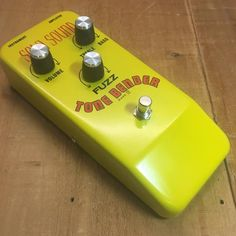 Sola Sound Tone Bender MKIV D*A*M Reissue - OC75 Yellow