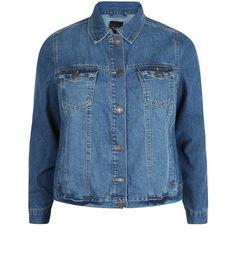 Plus Size Blue Double Pocket Denim Jacket    New Look